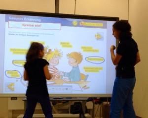 Junge ForscherInnen: Lernen mit Smartboard